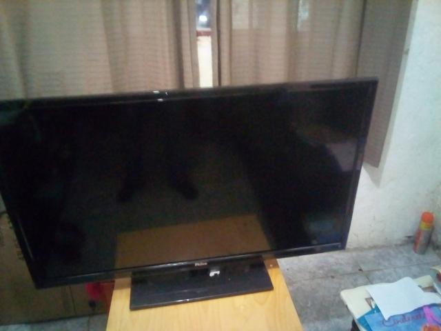 4ca014ce9 TV Led HD Smart Philco 40 polegadas tela quebrada
